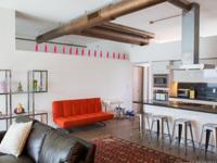 Beautifully remodeled, Modern and Open 2/2 loft style