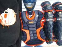 Extra nice orange and blue catchers equipment includes