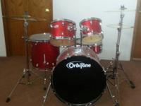 I am offering a drum Set that consists of kick drum,
