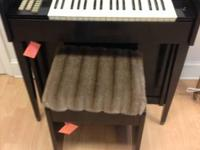 Small electric organ with bench, very nice, used
