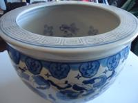 Beautiful blue and white floral Chinese fishpot /