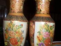 2 BEAUTIFUL VASES 1 HAS CHIP AT THE TOP CALL/TEXT