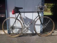 1983 Fuji Del Ray 12 speed road bike, in original,