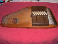 Dulcimer autoharp 36 strings, 21 chords excallent