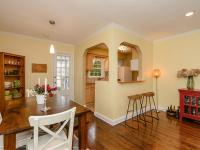 Delightful Home Close To All Manhasset Offers - Town,