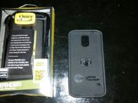 I am selling a OtterBox Defender Series Case and a Body