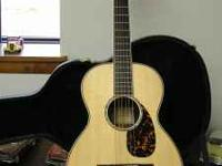 2011 Larrivee P-09 Parlor guitar. Excellent mint