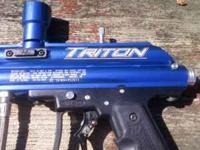 Paintball equipment: 2 guns, 3 cylinders, 3 refill