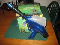 paintball gun... practically brand new.. comes with