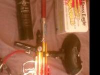 selling my spider paintball gun, comes with 4 extra