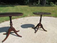 Nice pair of Duncan Phyffe kidney shaped end tables.