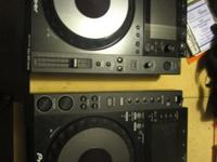 Barely used pair of pioneer nexus 900 cdjs, all cables