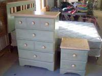A PALE GREEN BEDROOM SET. COMPLETE WITH HEADBOAR FRAME