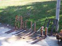 Pallet forks in good condition 100 to 150 a set, 42""