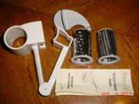 PAMPERED CHEF - DELUXE CHEESE GRATER WITH INSTRUCTIONS-
