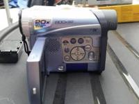 Used but in very good condition. 20x optical zoom. 800x