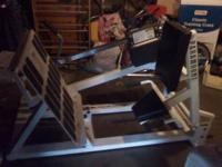 Paramount Leg Press for Sale, $200.00 or best offer.