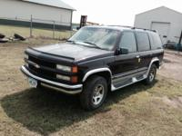 PARTING OUT 1997 Chevy Tahoe. Lots of good parts, LOW