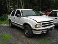I AM PARTING OUT A WHOLE 1997 CHEVY BLAZER 4 DOOR 4X4