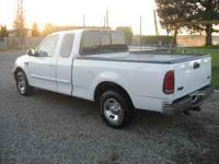 Parting out 2002 Ford F-150 XLT 4.6 L Triton V8 Pick up