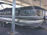 27' TRACKER MARINE PARTY BARGE w/trailer  2014  US