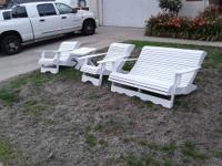 This is a beautiful set of Hand crafted Patio Chairs!