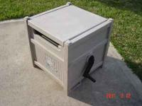 Used but good condition SUNCAST $ 15.-  Location: KATY