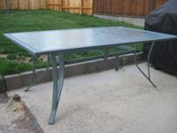 Really nice large rectangular patio table and 6 chairs.