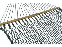 This Pawleys Island DuraCord Rope Hammock features a