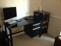 Pc workdesk and matching shelves in excellent