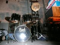 15 piece pearl drum kit.every drum piece in good