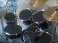 Pearl Expot Drum Set 6 peice with Zildjian cymbles and