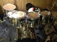 I am selling my Pearl Export Drum Set.  It includes: 10