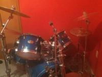 I have a Pearl export series 5 piece drum set for sale.
