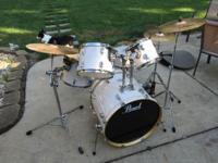 Pearl EXT Export Edition fusion drumset. Set includes