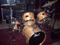 Very nice bearch Pearl Master Studio Drumset. Birch