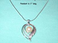 "This pearl pendant necklace is 12"" long when closed."