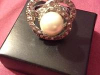 PEARL & SILVER RING NEW. NEVER WORN MARKINGS INSIDE