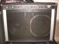 PEAVEY STEREO CHORUS 400 VG-EC, 2X12 - 130 watt per