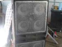 Peavey Firebass 700 watt bass amp, w/ 2 Peavey Pro 410