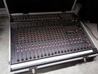 PEAVEY MKIV 16 Channel PA Mixer w/ CASE.  Works.