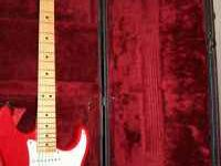 Peavey predator with hard case. needs new strings and