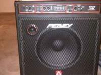 Peavey TNT 115 1x15 200W Bass Combo Amp Barely Used.