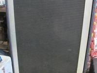 Peavy Speaker System measuers 42 x 28 x 14 has four