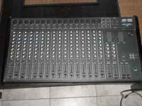 Peavy Unity 2000 16 channel mixing board; missing one