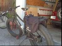 Like new Pedego Trail Tracker 48v 600w motor. Only 5