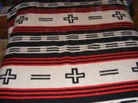 Striking queen size (86x90) Pendleton blanket. will not