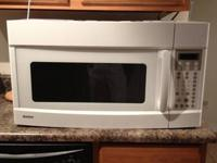 PERFECT CONDITION UNDER CABINET/OVER RANGE KENMORE