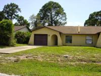SUNNY FLORIDA LIFESTYLE AWAITS This property is a