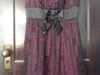 Size 1X (fits like a 18/20). Sparkly pink and black w/
